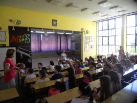 Nikšićko udruženje za zaštitu životinja  organizovalo je radionicu u dve osnovne škole - Niksic animal protection society has organised workshops in two primary schools