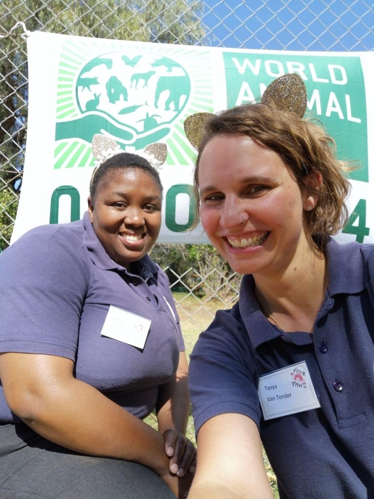 FOUR PAWS South Africa celebrates at LIONSROCK Big Cat Sanctuary with local community learners - and Humane Society International Africa